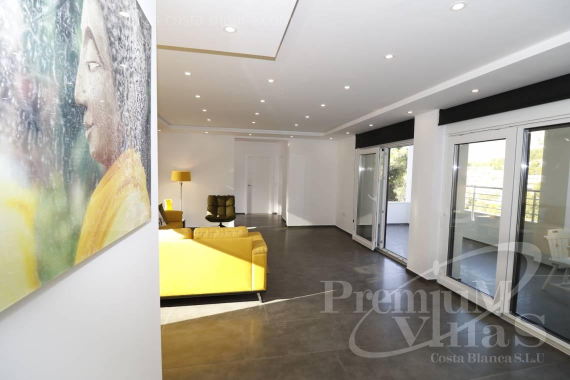 - C2252 - Moderne villa ved Don Cayo Golf Club i Altea 12